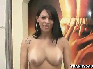 Shemale babe Keizy Maria gets naked and jerks off