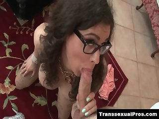ChaturbateRiley Quinn sucks dick in pantyhose