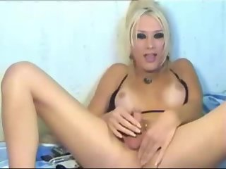 Hot Kylie on webcam