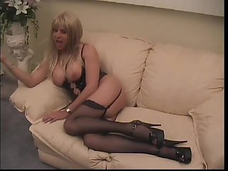 Busty tranny cums after hot drilling