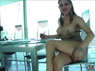 TS hottie Selina Malone puts up a nice masturbation show