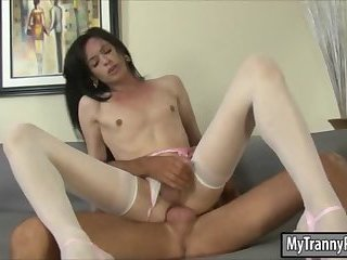Shemale in pantyhose analyzed and facial