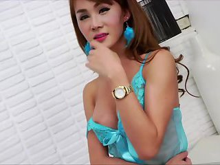 Asian ladyboy Barbara gets her ass fucked by her foreign lover
