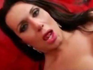 Pretty brunette tranny selfie