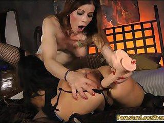 Horny tranny Jasmine Jewels fucks MILF