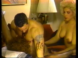 Vintage surprise with a skilfl Tgirl