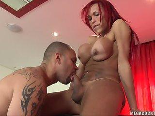 Erika Schinaider eats guys sweet ass