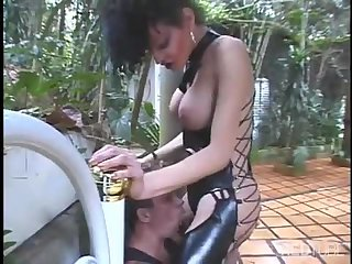Passionate fuck with a brunette tranny chick