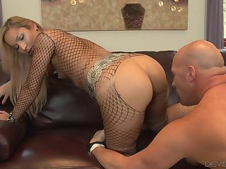 Tranny Bitch In Pantyhose Gets Her Ass Drilled