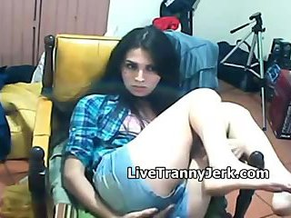Teen tranny jerking off