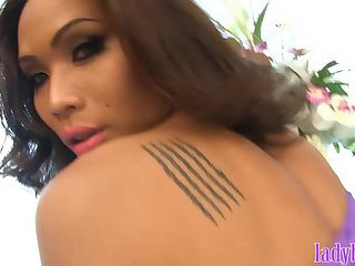 MILF ladyboy looks amazing in this dinner date ass fucking