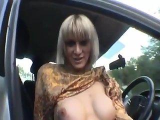 Tranny Handjob in Car