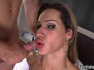 Tgirl Bianca enjoys anal threesome