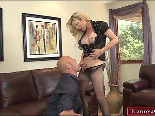 Tranny Tyra Scott enjoying big cock anal