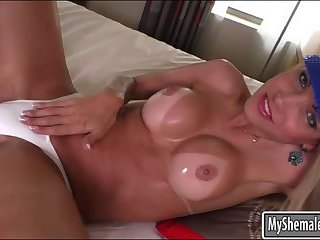 Booby  ChaturbateBia Spencer dildoing her ass