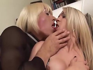 Blondes Shemales Fucking
