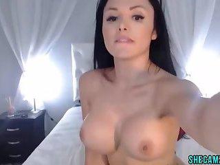 Stunning Webcam girlShow