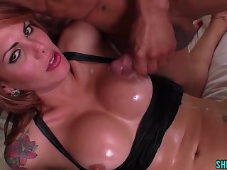 Tranny And Two Guys Bareback