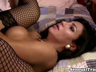 Sensual tranny jerking her cock