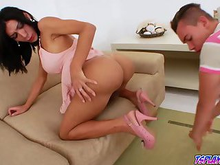 Shemale Sabrina Suzuki feed David Snider her thick she ...