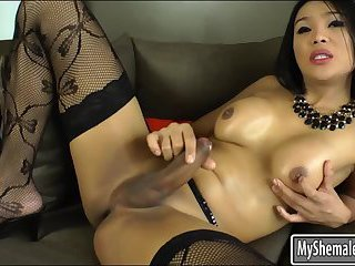 Awesome shemale likes jerking her cock
