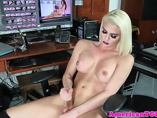 Glamcore tgirl jerking off until she blows