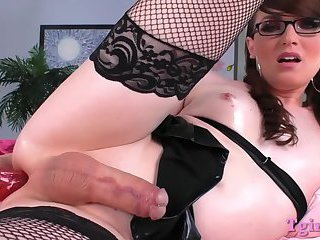 Small tits shemale gets her ass toyed