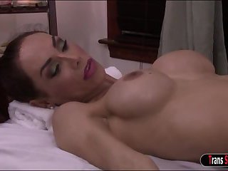 Ts milf Sunday Valentina anal by masseur