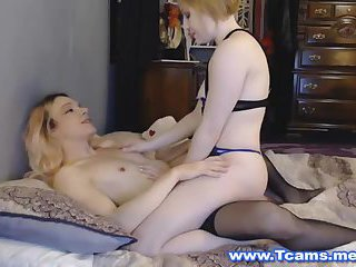 Tranny and Girl in a Sultry 69