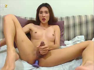 Teen asian shemale handjob