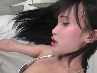 Big dick ladyboy fucks a lucky guy