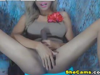 Horny Shemale Self Suck her Own Cock