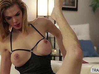 Transgirl Jenna screws her stud lover dominating in anal sex