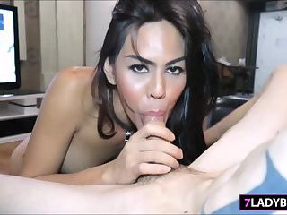 Ladyboy Lanta Sucks Lucky Guys Dick