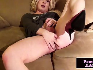 Chubby femboi solo wanking her cock