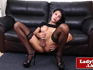 Solo stunning jerk off