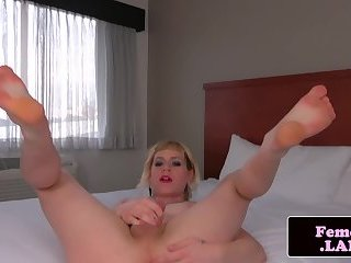 Chubby tranny masturbating in first time solo