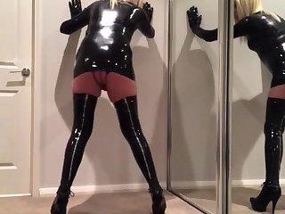 Latex sissy bitch 2
