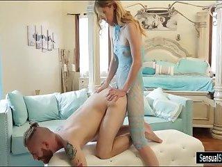 Skinny shemale Mandy Mitchell fucks dude