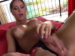Hot Butt Hot Dong