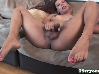 Ebony trans babe wanks her cock at casting