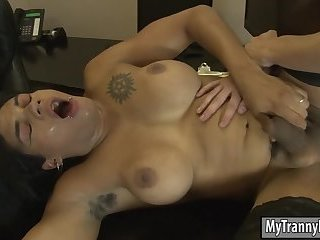 Busty Webcam girlMorena Black anal pounded