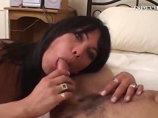 Teen shemale blows her stepdaddy at home