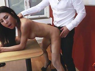 Ladyboy Thippy Office facial cum