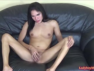 Mutual Blowjobs From Ladyboy Cindy And Her BF