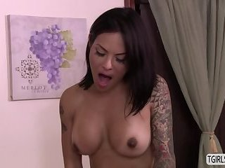 Hot TS Foxxy seduces a hunk stud for a asshole fuck