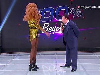 Brazilian Drag Queens as Beyoncé