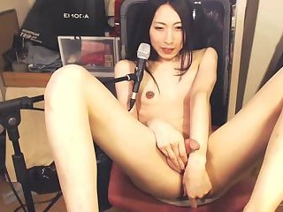 Sexy hung japanese girl cums while toying her ass
