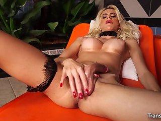 Tranny Barbara Perez Solo Masturbating