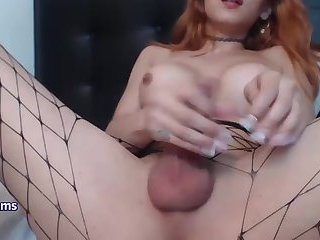 REDHEAD SHEMALE SKIPS THE SCHOOL TO MASTURBATES